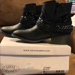 Steve Madden dress boots size 3